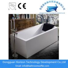 Banheiras autônomas tradicionais do banheiro da cuba