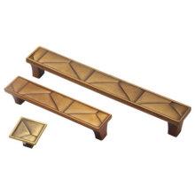 Мебельная ручка (13806)