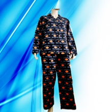 100% Cotton Allover Print Flannel Lady′s Pajamas