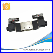 Válvula solenoide doble 4V220-08 de dos vías DC24V de dos posiciones