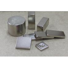 Блок мощных редкоземельных магнитов в разных измерениях
