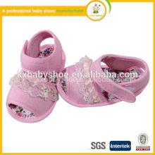 2015 Chaussures de sandales pour bébé en gros doux avec animal pour l'été