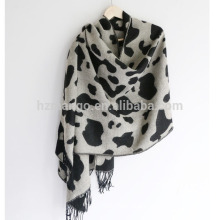 2016 lastest reversible cow grain leopard heavy winter acrylic scarf