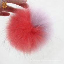 Piel de peluche del perro de mapache mullido animal de la piel grande Poms de Pom del pájaro en el sombrero de la gorrita tejida