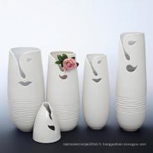 B109 Vase de décoration florale en porcelaine design créatif pour hôtel