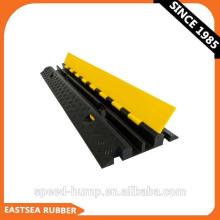 Amarele a proteção subterrânea da curvatura de cabo do revestimento de borracha de 2 canais