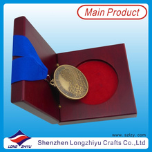 Medallas de Oro Antiguas y Medalla de Trofeos Medalla de Acabado Antiguo Grabado Justo La Medalla de Inicio con Caja de Medalla de Madera Real (lzy0044)