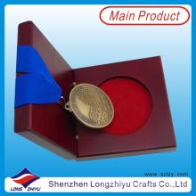 Medalhas de Ouro Antigas e Troféus Medalha gravada medalha de acabamento antigo Apenas a medalha de início com a caixa de medalha de madeira real (lzy0044)