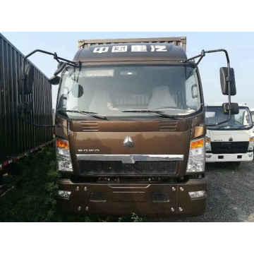 HOWO 16 Tons Light Box Van Trucks 140HP
