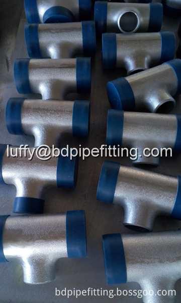 Galvanized pipe fitting (8)