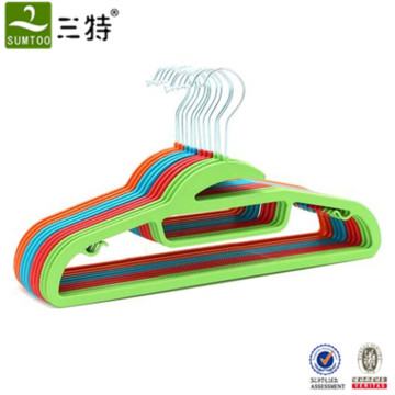 recycled cheap plastic shirt hangers