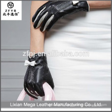 New design fashion low price Leather Gloves With Bow