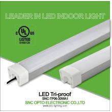 cUL listó las luminarias de luz tri proof con una calidad superior de lámpara lineal