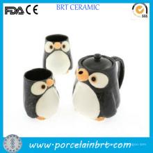 Conjunto de chá de cerâmica quente de pinguim fofo com infusor