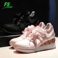 Мода новый дизайн женщин спортивные кроссовки лук дышащий Толстой подошве обувь