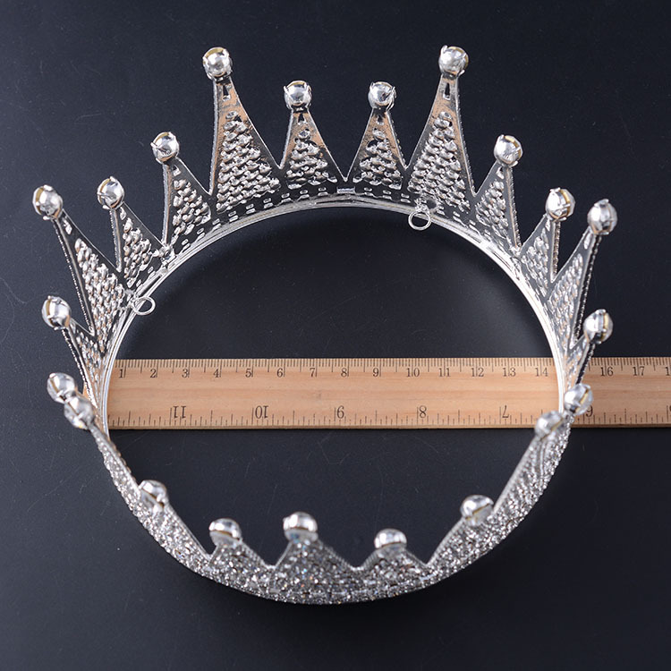Simple and Stylish Crown