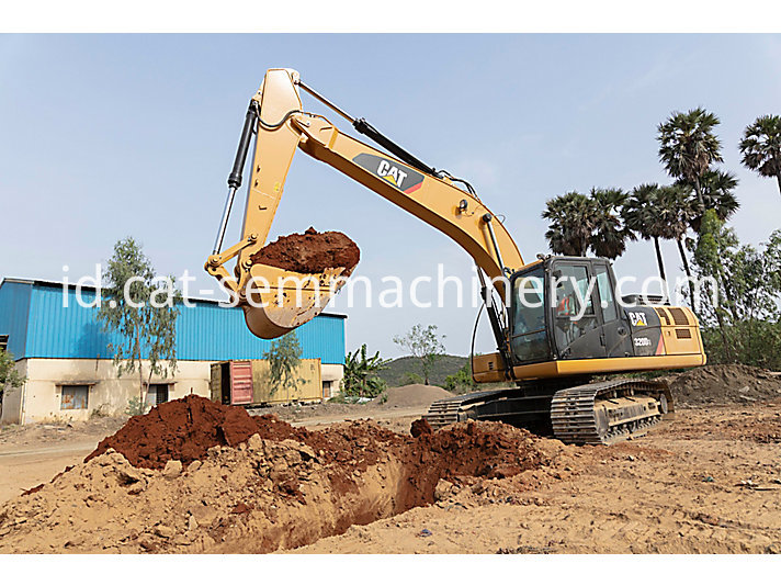 320 D2 Caterpillar Excavator For Sale