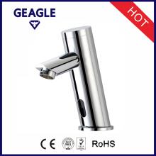 Robinet de capteur automatique de salle de bain intégrée en chrome avec robinet Mélangeur