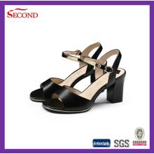 Sandales à la mode à la mode