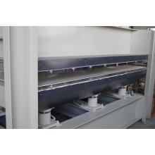 Máquina caliente de la prensa de la madera para la puerta con la película de la cubierta