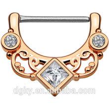 Cuadrado claro CZ anillo de pezón centrado Eje de oro rosa IP sobre latón Body Floral Fan Pezón Clicker Ring
