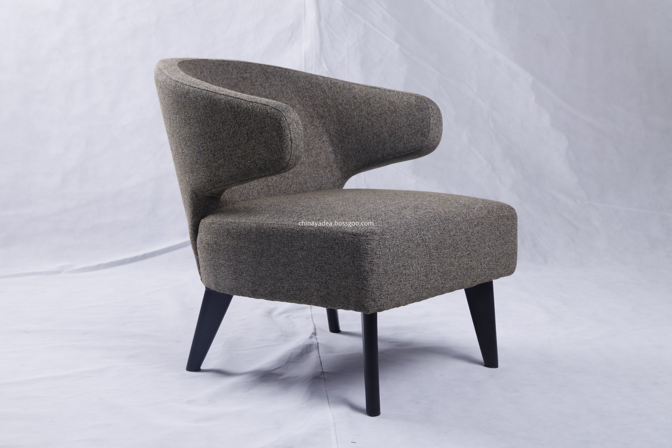 Minotti aston chair reproduction