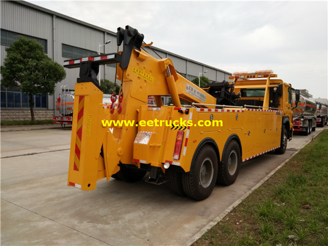 SHACMAN Telescopic Crane Trucks