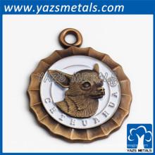 Античное золото плакировкой собака Шарм