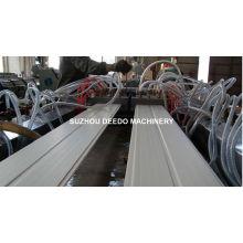 Línea de producción de paneles de pared de techo de PVC