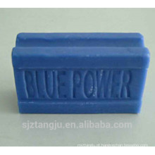 Com sabonete azul de fragrância