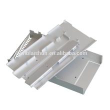Gabinetes y controladores eléctricos de chapa metálica