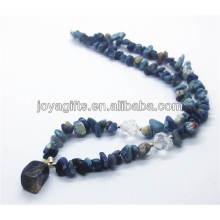 Collier à pépins de Sodalite avec pendentif en soie Sodalite