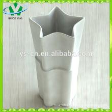 Heißer Verkauf, der in den weißen keramischen Vasen des Porzellans hergestellt wird Großverkauf