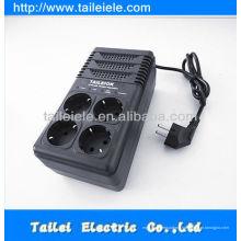 Prise de courant électrique régulateur de tension automatique