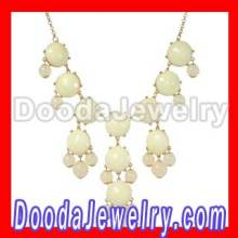 2012 Hot Elegant White Bubble Necklace, Resin Crew Bib Statement Necklace Custom Jewelry