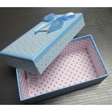 Бумажная подарочная коробка с лентой Бабочка