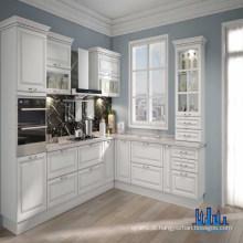 Excelentes armários de cozinha em madeira de cerejeira de cor branca