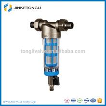 Máquina purificadora de agua para uso comercial.