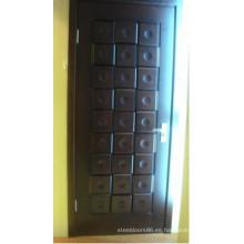 Puerta pintada de chapa de madera (HDA-009)
