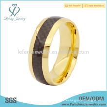 Oro plateado simple con la joyería del anillo del titanio del embutido de la fibra del carbón