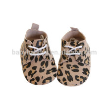 Золотая кожа Leopard Дизайн Детские Walker обувь Малыши Девочки Мальчики Мягкий Единственный первый Walker