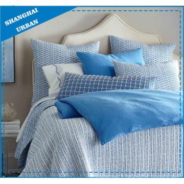 Ensemble de couvre-lit matelassé en polyester imprimé Blue Lines
