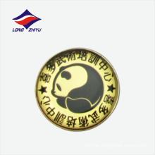 Insignia preciosa de la solapa del oro del logotipo del diseño de la panda