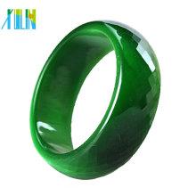 Los granos de la piedra preciosa esmeralda de la joyería de DIY cortaron los brazaletes de cristal tallados