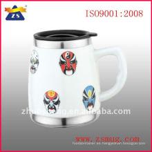 taza de cerámica con base de acero inoxidable