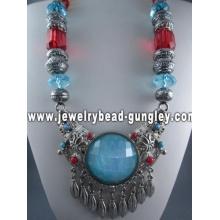 Collar de estilo tibetano