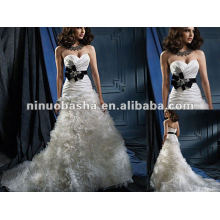 Sweetheart Neckline luxurious Skirt Wedding Dress