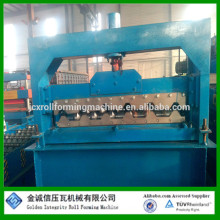 Corrugated 380V Roof Panel Roll Forming Machine With Chain Transmission