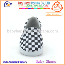 Kids casual baby wear shoes classic design rubber sole baby shoes from China