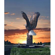 Décoration de jardin en plein air de haute qualité en métal artisanat grande statue d'aigle en laiton